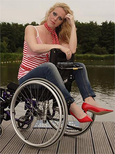 Dating hot girl in wheelchair