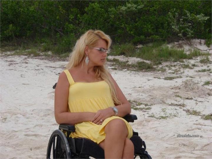 Онлайн Знакомства С Девушками Инвалидами По Ватсапу